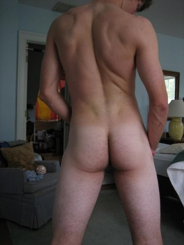 guys showing their ass