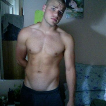 Hot Guy Get Topless On Cam