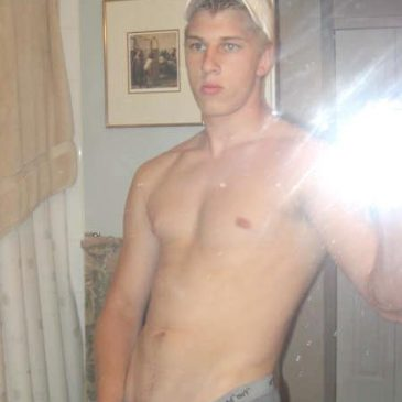 Good Looking Guy Take His Dick Out And Wank Hard