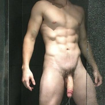 Hung nude muscle boy